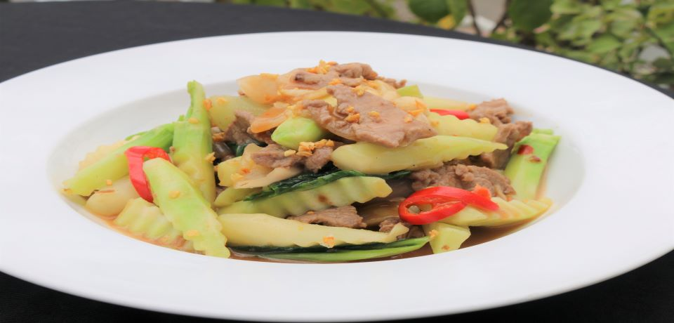 Fried Green vegetable with beef